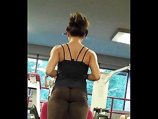 Lycra transparente en el gym