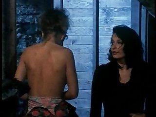 Erika bella orgasmes sur le danube scene 2
