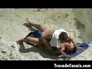 Couple make sex on a nudism beach amador casal transando na praia de nudismo