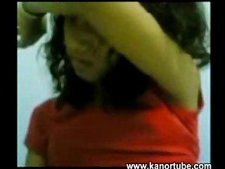 Kasambahay pinaghuhubad habang kinukuhanan ng Video www period kanortube period com