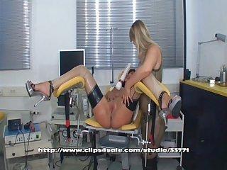2 lesbian in clinic