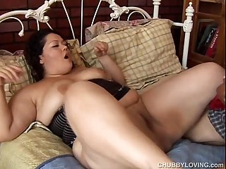 Super cute chubby latina loves to fuck and the taste of cum