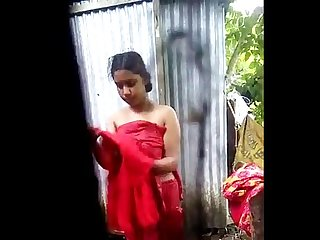 Real bangladeshi hidden cam bath with audio