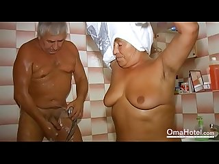 OmaHoteL Grandma Sexually Active in the Bathroom