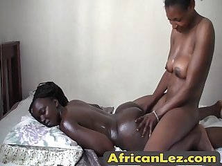 Africanlez 1 1 16 213 9 1 doreen kelly bedroom edicion alta final