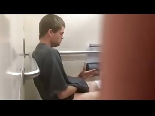 Str spy men in public toilet