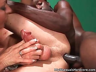 Awesome bisexual threesome scene
