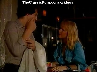 Little oral annie tom byron gina carrera in classic porn scene