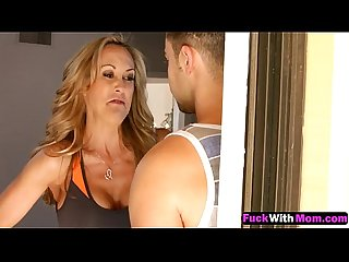 Brandi love helps ava taylor cum to get her hole fucked 1