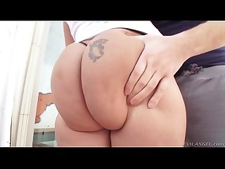 Lucky B Dallas and her huge jiggly ass