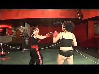 In A women boxing match the fighters prefers to Fuck each other excl
