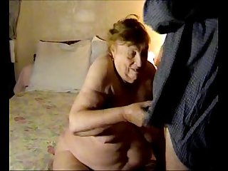 (oma) homemade 75 Year Old Granny (21min)