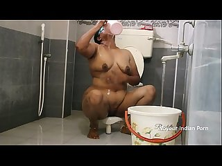 Big boob Aunty in shower