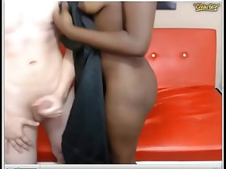 Sexy black girl sarayana sucking cock and let her bf fuck her ass