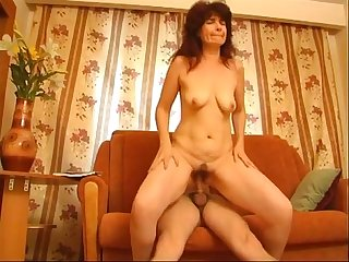 Ordinary mom 10 more videos on www amateurcams cf