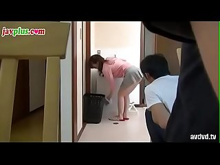 Japanese wife get fucked by plumber in toilet and get caught 人妻