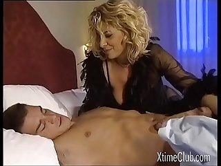 Alessandra Schiavo Anal Squrting of a great Italian Milf