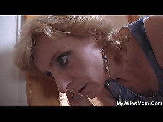 Older mom in law helps him cum