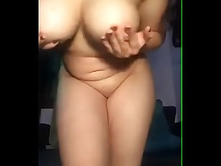 Desi college girl exposing on cam
