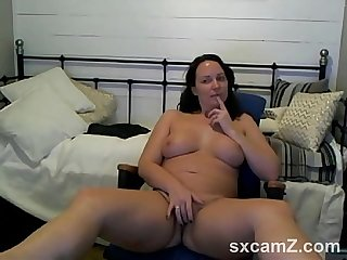 Slut Wife Playing on Webcam - sxcamZ.com