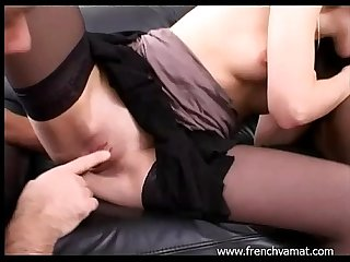 French amateur woman in threesome
