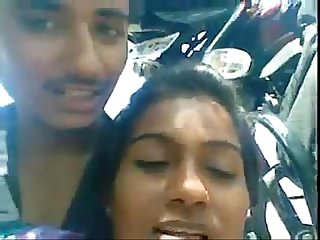 Indian Young Desi guy exposing his girlfriends boobs and molesting her nicely at outdoor - Wowmoybac