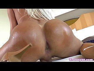 Latina ts pornstar camyle Victoria cumsprays