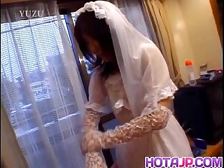 Nami in wedding dress sucks cock