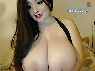 American girl with heavy big boobs showing them online www cams22 com