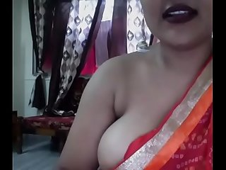 Indian bigboob Aunty sexy nude dance with Saree