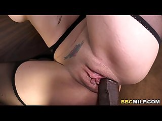 Anal Cougar Kiki Daire gets DP'd by Black Cocks