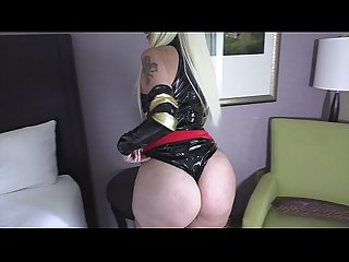 Pawg Alexis Andrews gets Extremely Wet and Horny Cosplaying