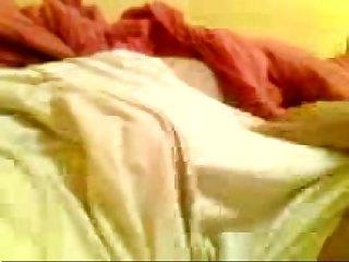 Punhetando o primo dormindo