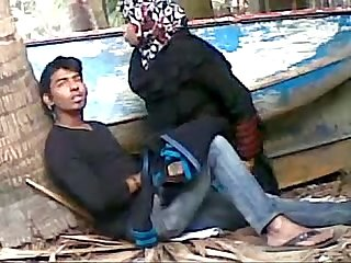 Bangladeshi bhabhi sex her young devor outdoor - Wowmoyback