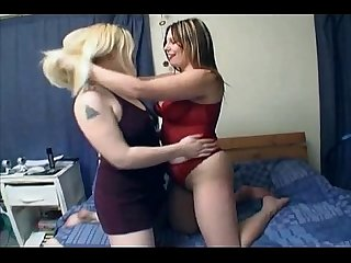 Horny Lesbian Teen playing with her Fat Chubby gf wet pussy
