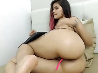 Young Latina girl teased phat ass on cam chat