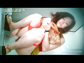 Chinese girls go to Toilet 21