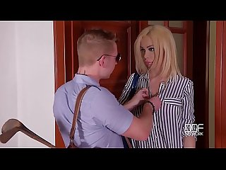 Milf Chessie Kay's last minute hardcore titty fuck at the Doctor?s office