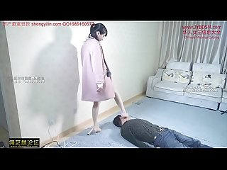 ???人女???踩踏???奴???身 Chinese mistress tramples her slave all over his body and neck