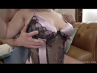 Needy mature Mimi Jean