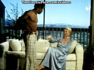 Aunt Pegs John Holmes, Richard Kennedy, Sharon York in vintage porn video