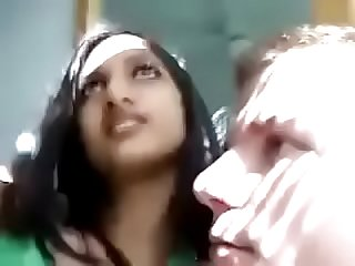 Indian Woman kissing her white boyfriend - Pornyousee.com