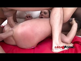 Busty MILF Sexy Susi assfucked 4on1 & double penetrated SZ1965
